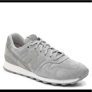 New Balance Suede 696 Sneakers